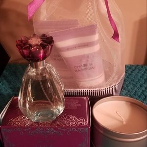Mary Kay Accents - Gift Set -candle not included
